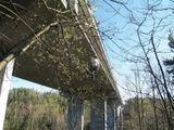 slaňování z mostu
